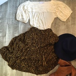 Anne Klein leopard skirt